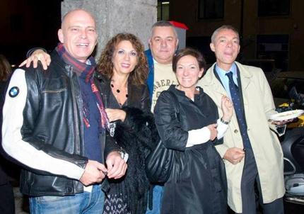 Marco, Wilma, Umberto, Cinzia e Giordano durante l'Happy hour per il 50° di apertura del bar Bellini.